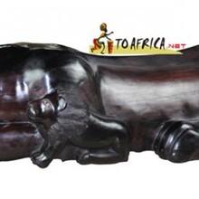 中非商贸平台供应非洲年轻的狮子情侣木雕LWC-066