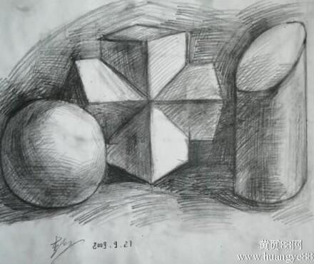 烟台素描培训学校哪家好,画圆柱第一步要先画出一个长方形