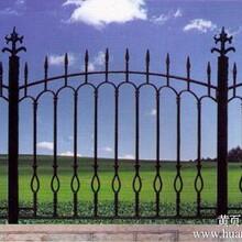 供应雁山铸铁围墙铸铁护栏铸铁围栏绿化栏杆图片