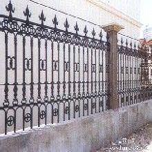 供应班玛优质豪华玛钢铸造围栏铸铁围墙铸铁护栏图片