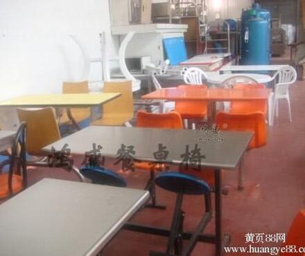 岛市快餐店6人连体餐桌椅生产厂家