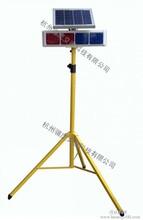 厂家提供太阳能爆闪灯带移动支架、交通警示灯