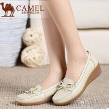 Camel骆驼女鞋舒适百搭秋季新款荔枝纹牛皮蝴蝶结坡跟单鞋