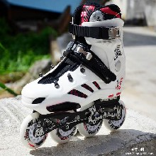 开火熘冰鞋LABEDA-V8轮滑鞋图片