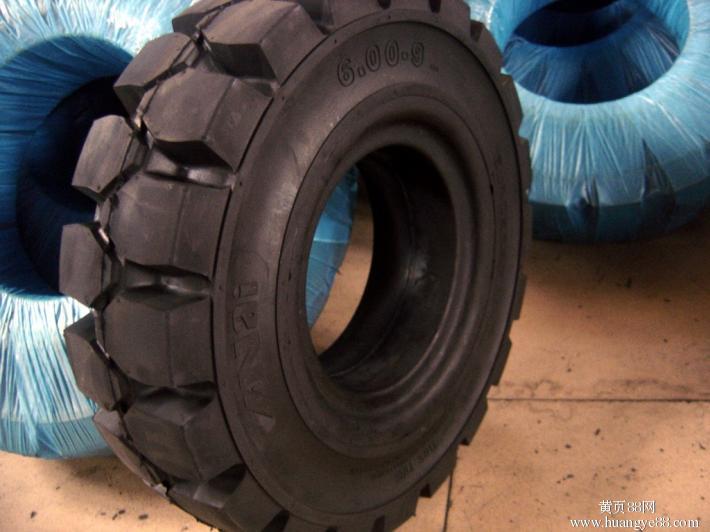 供应8.25-15实心轮胎叉车轮胎厂家直销质量有保障