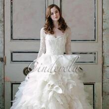 买婚纱,一定选南宁仙度瑞拉婚纱定制馆,南宁人都知道