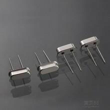 厂家直销石英晶振49S晶振13.560MHZ直插晶振图片