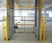 河北简易升降货梯厂家直销价格载重300公斤500公斤一吨升高6米8米10米12米14米18米液压升降货梯图片